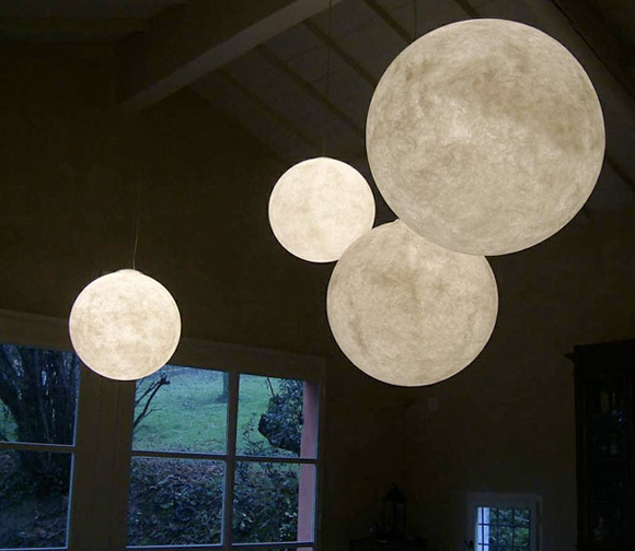Moon-lamps-by-inesartdesign