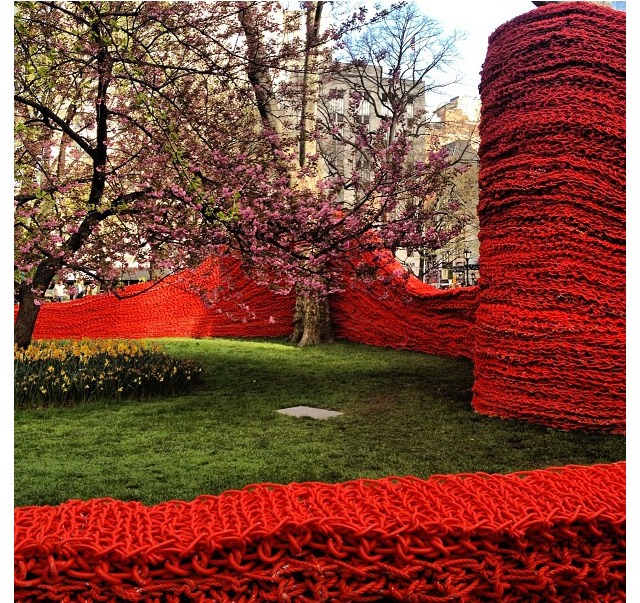 ORLY GENGER Nautical Rope Madison Square Park_red ropes