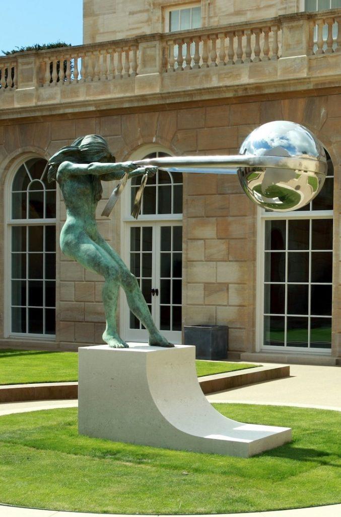 Lorenzo Quinn's Gravity-Defying Bronze Statues