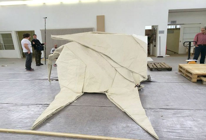 Artist-Creates-Life-Size-Elephant-From-Origami-Paper-3 (1)